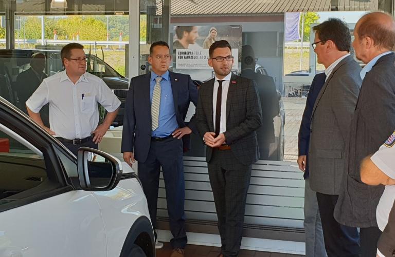 Eröffnung der Beleuchtungsaktion Licht-Test 2018 im Autohaus Hain am Ring in Aßlar