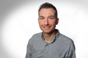 Sami Haim, Serviceberater und Garantie-Sachbearbeiter