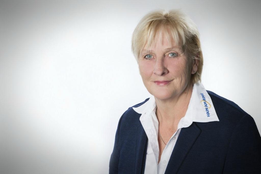 Doris Sitter, Service-Assistentin